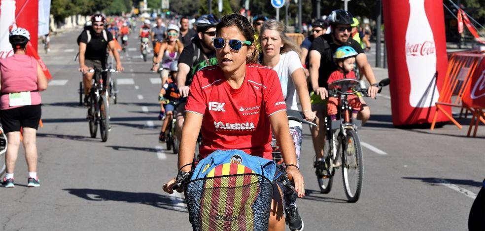 El Día de la Bicicleta de Valencia recorre el centro de la ciudad