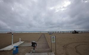Muere un bañista de 81 años en la playa de Gandia