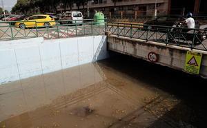La lluvia obliga a cerrar colegios y vuelve esta tarde a poner en alerta a la Comunitat