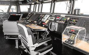Dos embarcaciones de la armada española y norteamericana hacen escala en Valencia