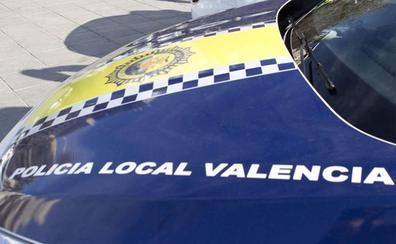 Hiere de gravedad a otro detenido en comisaría tras ser arrestado por acosar a su ex en Valencia