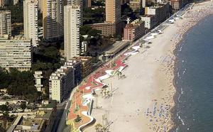 Una mujer de 65 años muere ahogada en una playa de Benidorm