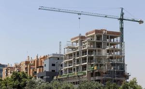 Cs denuncia que hay 2.500 viviendas pendientes de licencia en Valencia