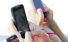 Los peligrosos bulos sobre el cáncer más extendidos por WhatsApp