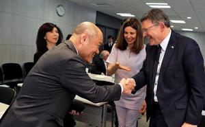 Puig defiende que los viajes al extranjero son «una inversión»