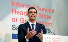 Sánchez, dispuesto a explicar en el Parlamento el «error en la reseña» de su libro