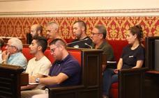 Dimite el concejal de Cullera investigado por los desórdenes tras la quema de banderas de España