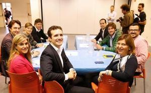 La visita de Casado a Pobla de Farnals reaviva el debate sobre el candidato del PP a la alcaldía de Valencia