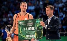 El taronja Matt Thomas, vencedor del concurso de triples de la Supercopa