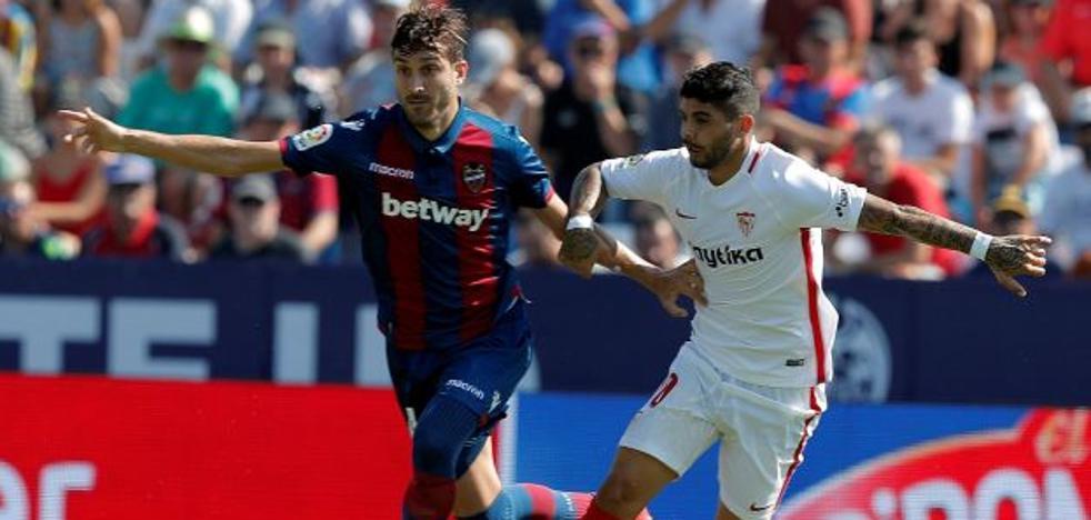 El Sevilla arrolla a un Levante nulo en defensa