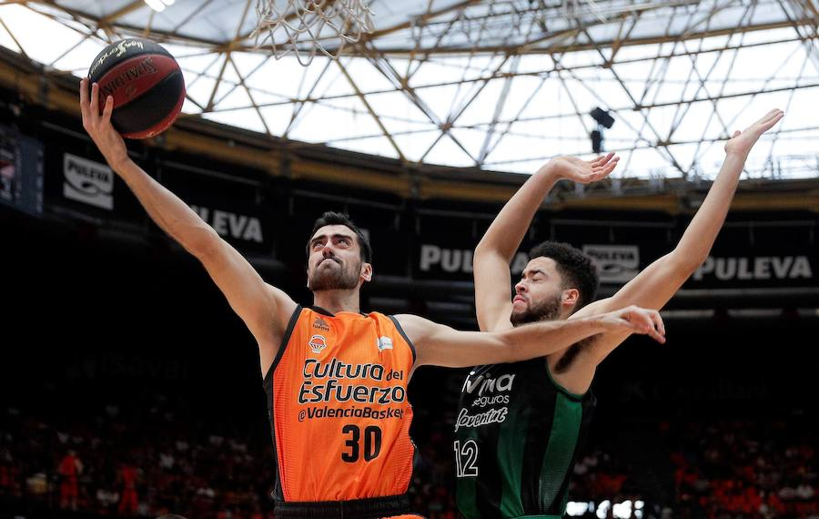 Mathias, Morgan y un vibrante Joventut amargan la presentación al Valencia Basket (76-78)