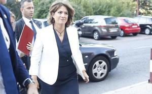 La ministra Delgado se reunió con Villarejo en 2009 para celebrar su última medalla