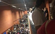 Protestas en las oposiciones de Correos al no poder examinarse un centenar de candidatos