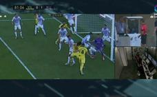 El penalti de la polémica que decidió el VAR en el Villarreal-Valladolid