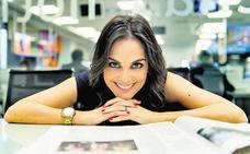 El piropo de Mónica Carrillo a Matías Prats que se cuela en el informativo