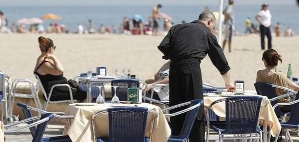 El número de parados vuelve a superar los 3,2 millones pese al empuje del empleo en septiembre
