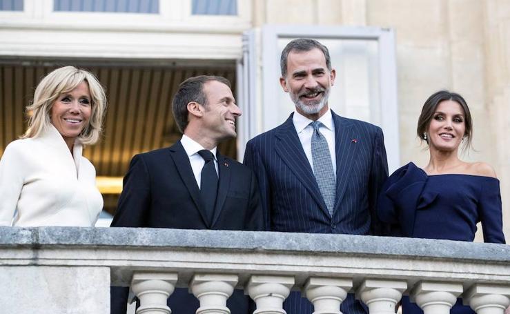 La reina Letizia deslumbra en París