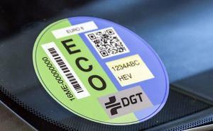 La OCU alerta de que un coche con etiqueta Eco o Cero puede contaminar más que uno de gasolina