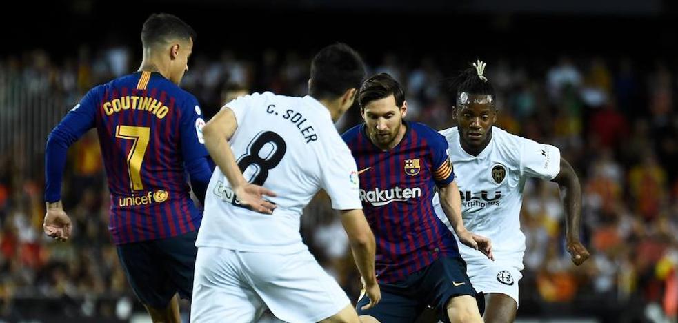 El Valencia se deja vivo al Barça