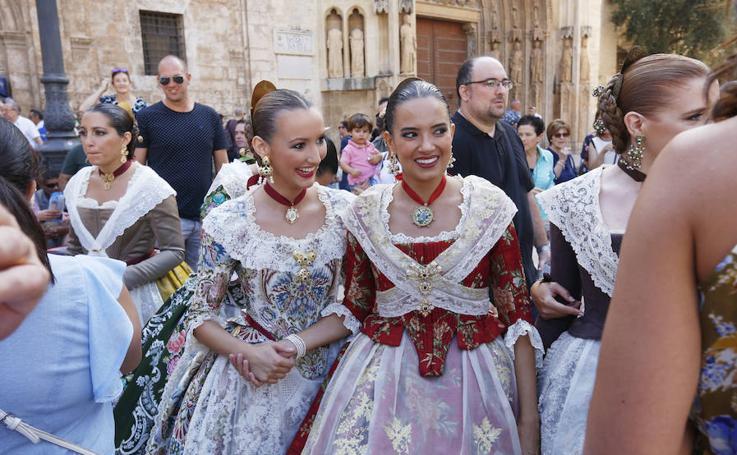 Las candidatas a fallera mayor de Valencia 2019, en la plaza de la Virgen