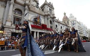 Espectacular entrada de moros y cristianos del 9 d'Octubre en Valencia