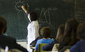 Más de 19.000 profesores y monitores acreditan que no son delincuentes sexuales