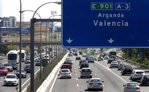 Un choque de camiones corta la A-3 hacia Valencia