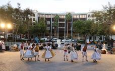 Los bailes, la música, la pólvora y los pasacalles dan la bienvenida al 9 d'Octubre