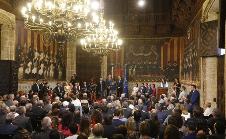 Entrega de distinciones y medallas de la Generalitat por el 9 d'Octubre