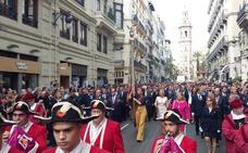 Valencia honra a su Senyera en la Procesión Cívica del 9 d'Octubre