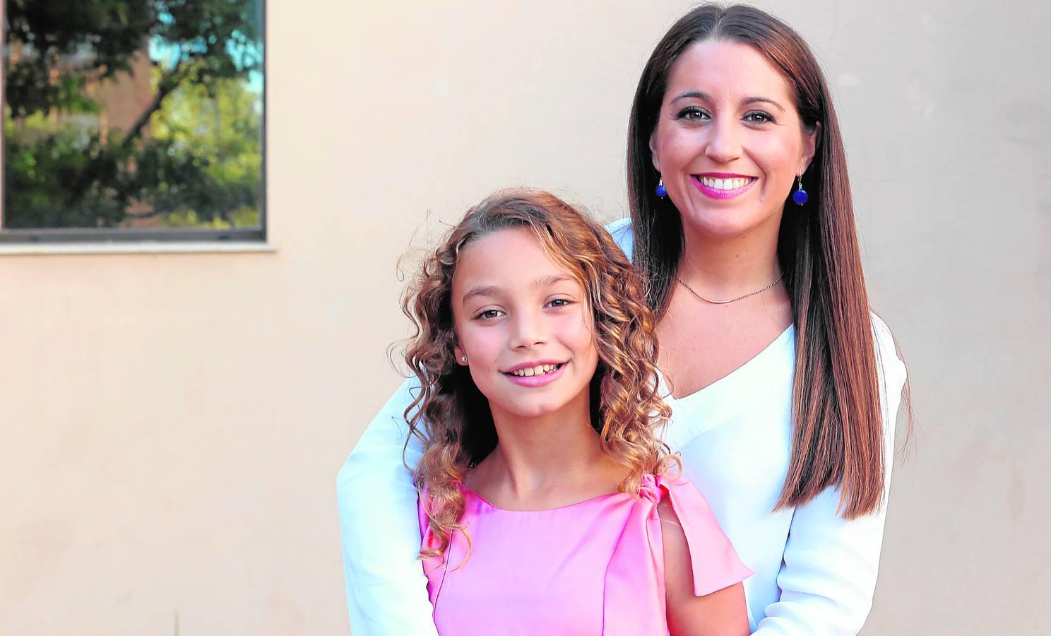 Ana Ebri, corte de honor de la fallera mayor: «Como interiorista me gustaría crear un hogar digno a alguien sin casa»