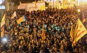 Proclamas separatistas y a favor de los políticos presos en la marcha catalanista