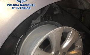 Un falso policía local de Valencia ebrio estrella su coche y lesiona al agente que intentó evitar su huida