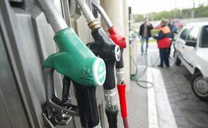 Las gasolineras mostrarán desde mañana las nuevas etiquetas europeas de combustible