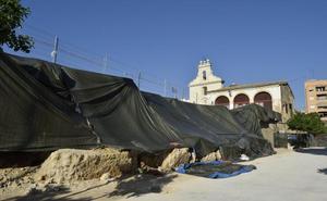 El rescate de Los Silos llega con la restauración del muro del patio y un futuro Plan Director