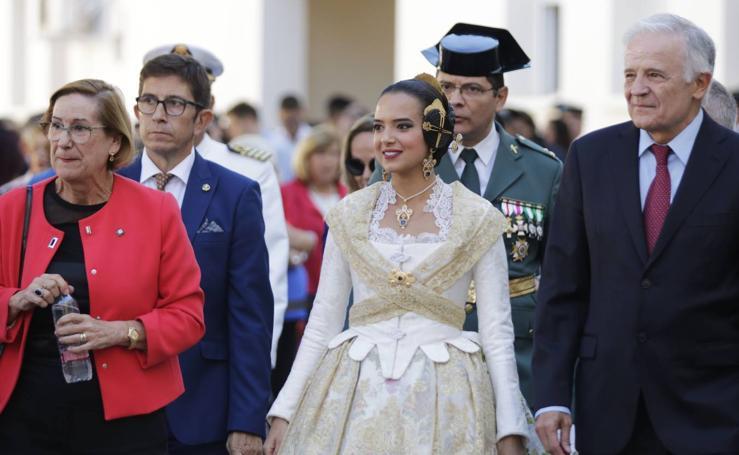Fotos del homenaje de la Guardia Civil en Valencia a su patrona, la Virgen del Pilar