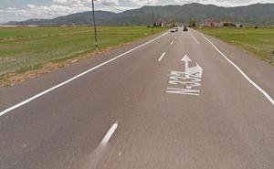 Un joven de 24 años muere en Cullera al chocar brutalmente con su cuadriciclo contra un coche en la N-332