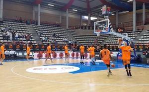 El Valencia Basket homenajea a Marina Lizarazu