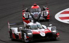 Toyota no cede en Fuji y Alonso se escapa en el liderato