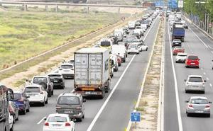 La Guardia Civil advierte del peligro del 'efecto pantalla' al conducir