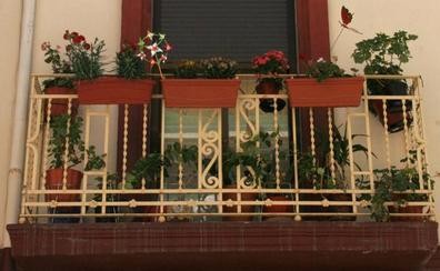 Gota fría   Los aparejadores de Valencia aconsejan revisar balcones, canales y desagües ante las lluvias intensas