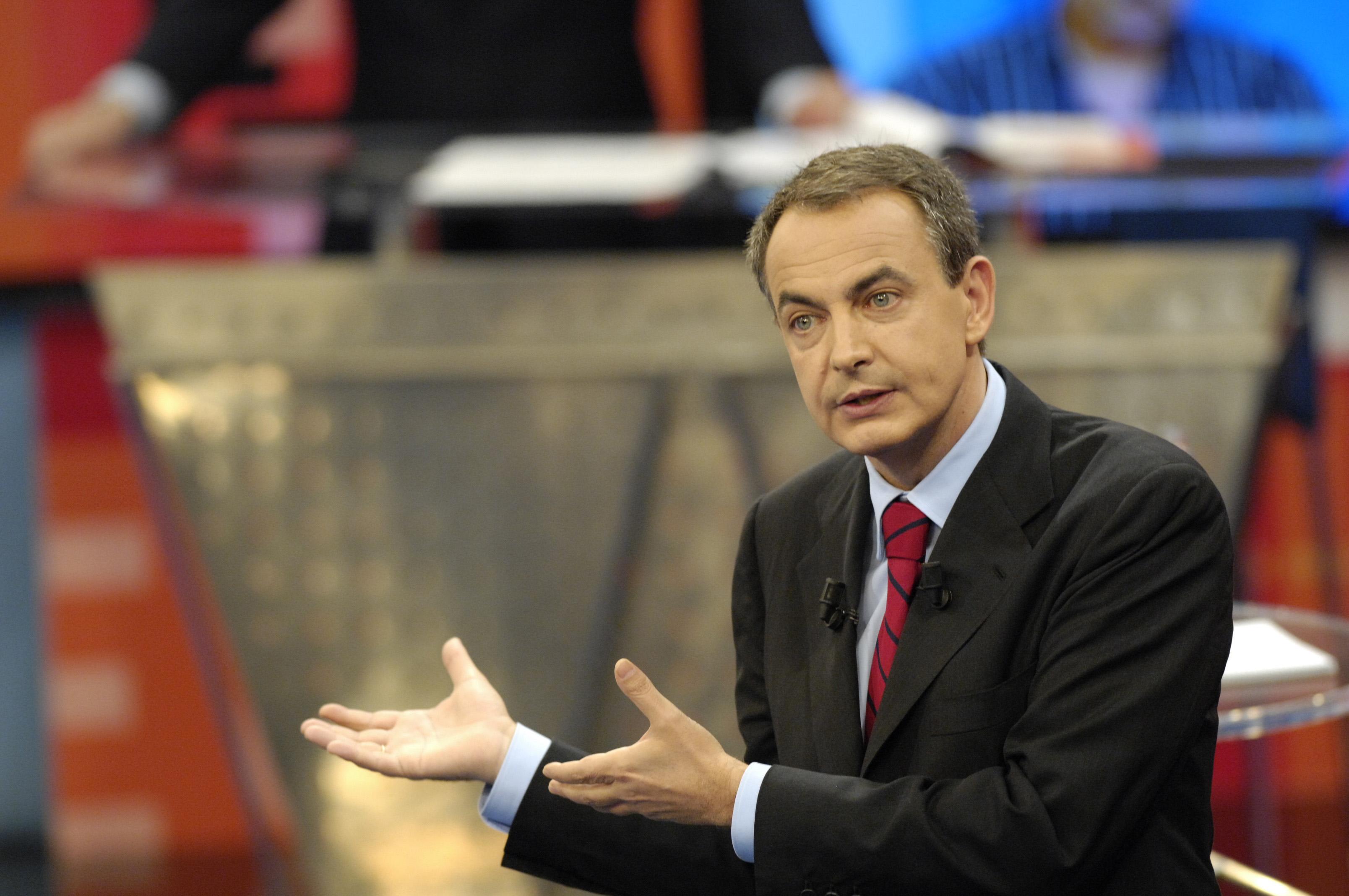 El Gobierno defiende a Zapatero ante las acusación de un ex alto cargo chavista
