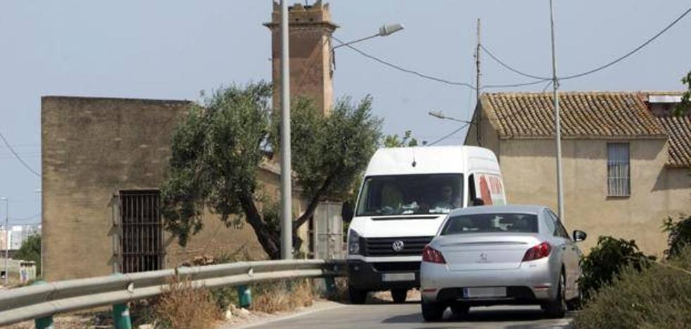 La normativa permitirá cerrar caminos para su uso agrícola