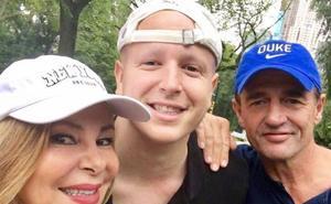 Álex Lequio reaparece en público tras su tratamiento contra el cáncer