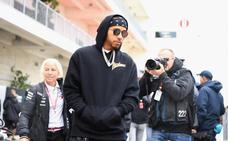 Hamilton enfila el camino de baldosas doradas