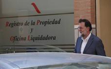 Rajoy se despide del registro de la propiedad de Santa Pola con una comida