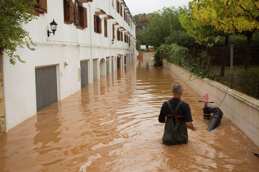 Una nueva tromba al norte de Castellón causa atrapados y cortes de carreteras