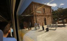 La avería en un convoy de la línea a Zaragoza provoca retrasos en tres trenes