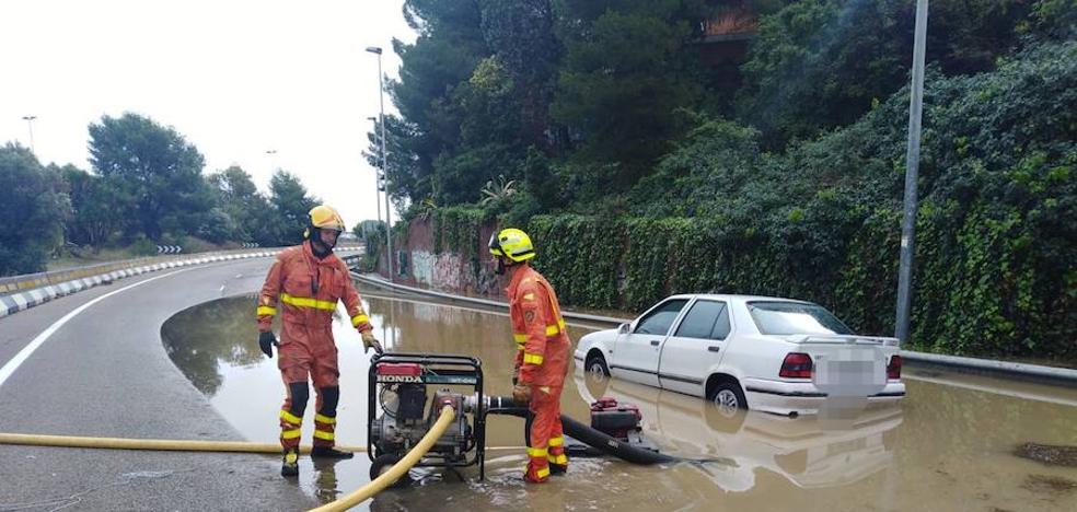 15 carreteras cortadas en la Comunitat Valenciana por los efectos de la gota fría