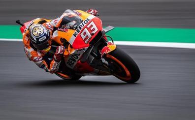 Márquez sólo mira a Dovizioso